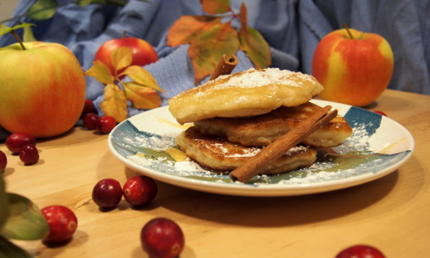Buttermilk pancakes with apples