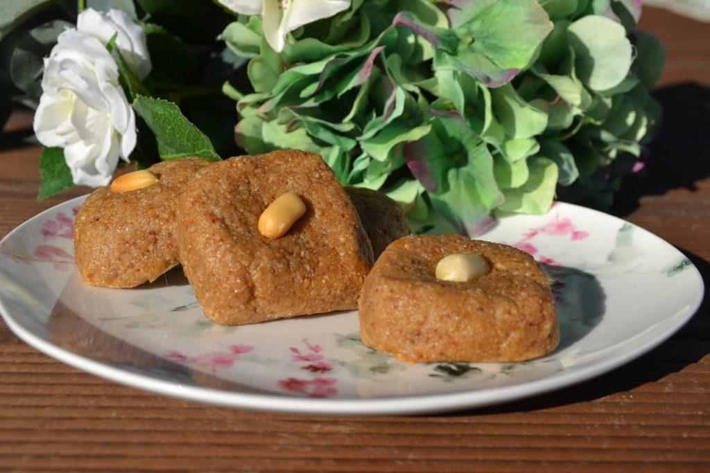 Батончики с арахисом и инжиром