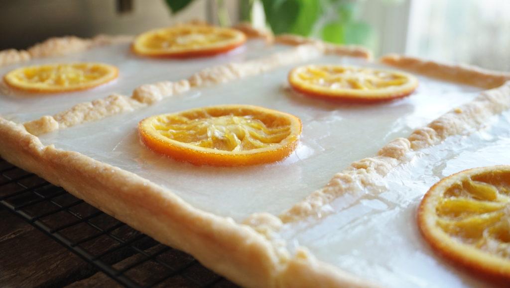 Mazurek Wielkanocny z pomadą śmietanową i karmelizowaną pomarańczą