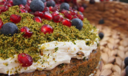 "Green spinach cake ""forest"" or ""forest moss"""