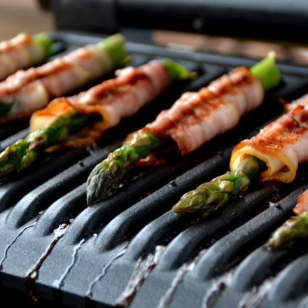 Grilled asparagus rolled in bacon