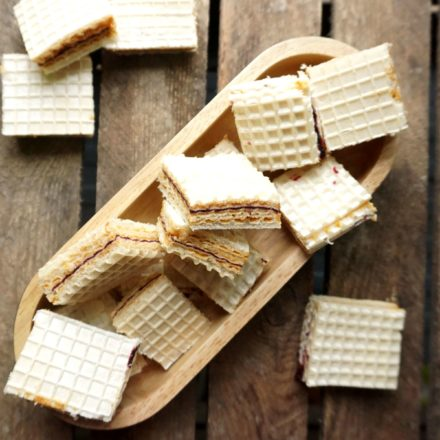 Wafer cookies with butterscotch