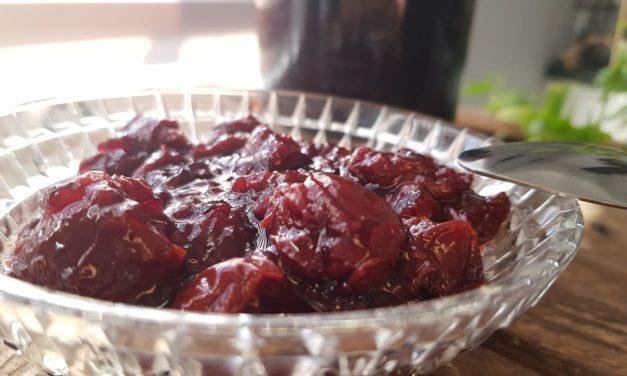 Grandpa's jam – cherry jam